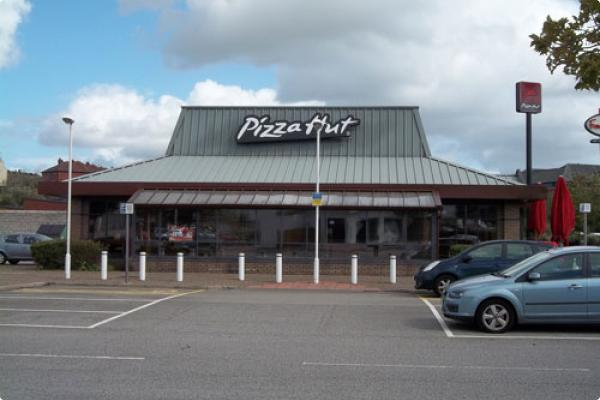 Pizza Hut, Rochdale after the re-spray